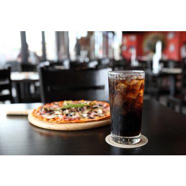 kleine Pizza (24 cm) mit Getränk