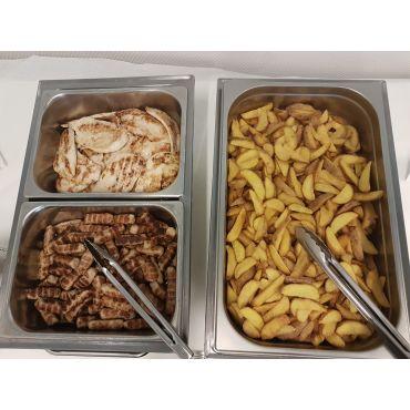 Cevapcici/Poulet mit  Potatoes