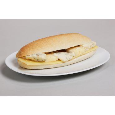 Sandwich mit scharfer Salami & Käse